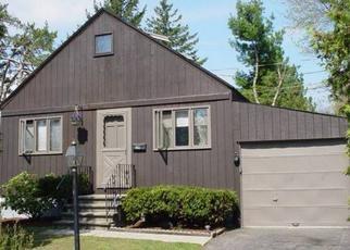 Casa en ejecución hipotecaria in Latham, NY, 12110,  RAYMOND ST ID: P1649965