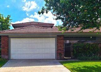 Casa en ejecución hipotecaria in Canyon Country, CA, 91387,  LORETTA LN ID: P1653373