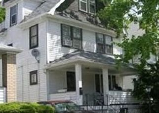 Casa en ejecución hipotecaria in Cleveland, OH, 44104,  CONTINENTAL AVE ID: P1653993