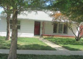Casa en ejecución hipotecaria in Saint Clair Shores, MI, 48080,  SHADY LANE AVE ID: P1654831
