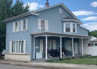Casa en ejecución hipotecaria in Millersburg, PA, 17061,  MOORE ST ID: P1655868