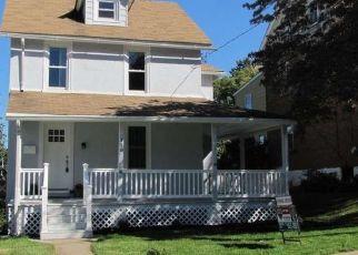 Casa en ejecución hipotecaria in West Grove, PA, 19390,  JACKSON AVE ID: P1656956