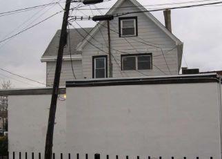 Casa en ejecución hipotecaria in Norwood, PA, 19074,  CHESTER PIKE ID: P1656969