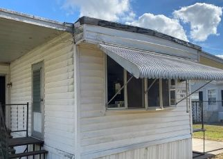 Casa en ejecución hipotecaria in Orlando, FL, 32824,  7TH AVE ID: P1657752