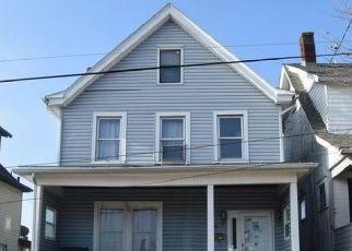 Casa en ejecución hipotecaria in Mckeesport, PA, 15132,  BANKER ST ID: P1660526