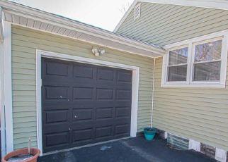 Casa en ejecución hipotecaria in Latham, NY, 12110,  GLENDALE RD ID: P1660623