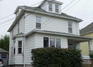 Casa en ejecución hipotecaria in Endicott, NY, 13760,  SQUIRES AVE ID: P1662462
