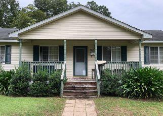 Casa en ejecución hipotecaria in Lake City, SC, 29560,  MONTAGUE ST ID: P1665227