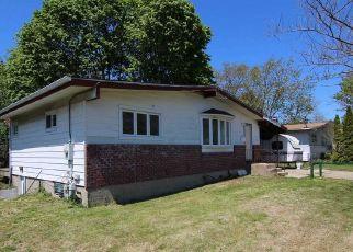Casa en ejecución hipotecaria in Central Islip, NY, 11722,  LOWELL AVE ID: P1665949