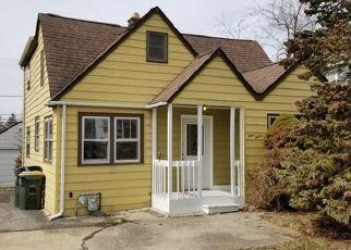 Casa en ejecución hipotecaria in Round Lake, IL, 60073,  KENWOOD DR ID: P1666421