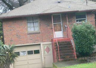 Casa en ejecución hipotecaria in Seattle, WA, 98144,  RAINIER AVE S ID: P1669499