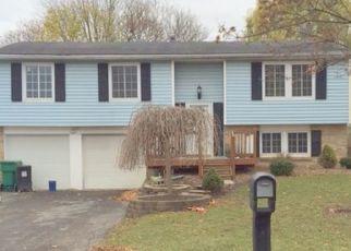 Casa en ejecución hipotecaria in Farmington, NY, 14425,  COACHLIGHT CIR ID: P1670187