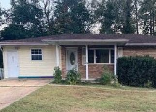 Casa en ejecución hipotecaria in Poplar Bluff, MO, 63901,  HAMPTON CT ID: P1670332