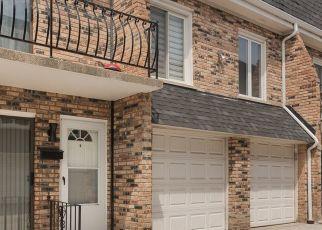 Casa en ejecución hipotecaria in Chicago Ridge, IL, 60415,  SAYRE AVE ID: P1673049