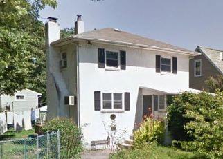 Casa en ejecución hipotecaria in Morrisville, PA, 19067,  OSBORNE AVE ID: P1674763