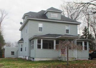 Casa en ejecución hipotecaria in Clarks Summit, PA, 18411,  GREENWOOD AVE ID: P1675038