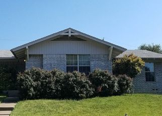 Foreclosure Home in Arlington, TX, 76010,  GLENHAVEN ST ID: P1679705