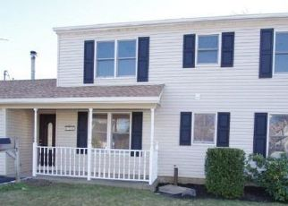 Casa en ejecución hipotecaria in Levittown, NY, 11756,  SADDLER LN ID: P1680292