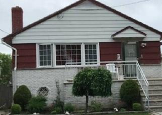 Casa en ejecución hipotecaria in Far Rockaway, NY, 11691,  POINT BREEZE PL ID: P1680750