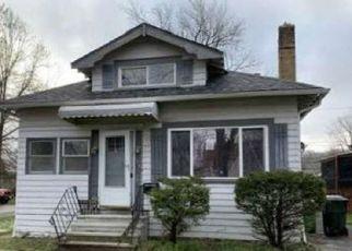 Casa en ejecución hipotecaria in Euclid, OH, 44117,  E 221ST ST ID: P1681180
