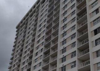 Casa en ejecución hipotecaria in North Miami Beach, FL, 33160,  BAYVIEW DR ID: P1685652