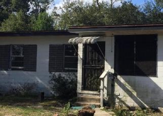 Casa en ejecución hipotecaria in Jacksonville, FL, 32209,  STRAWFLOWER PL ID: P1685664