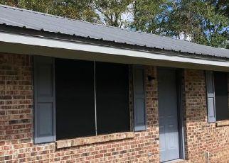 Casa en ejecución hipotecaria in Defuniak Springs, FL, 32433,  QUEBEC AVE ID: P1686582