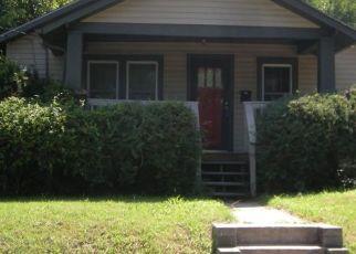 Casa en ejecución hipotecaria in Columbia, MO, 65203,  MCBAINE AVE ID: P1689319