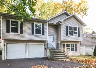 Casa en ejecución hipotecaria in Norwalk, CT, 06854,  HOLLOW TREE RD ID: P1689362
