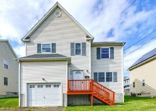 Casa en ejecución hipotecaria in Bridgeport, CT, 06606,  EZRA ST ID: P1691156