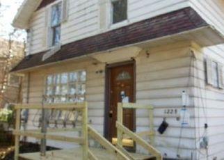Foreclosure Home in Kalamazoo, MI, 49006,  ALAMO AVE ID: P1692933