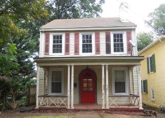 Casa en ejecución hipotecaria in Danville, VA, 24541,  VIRGINIA AVE ID: P1694314