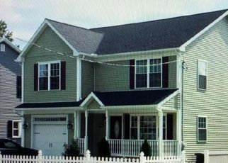 Foreclosed Homes in Stratford, CT, 06614, ID: P1697560