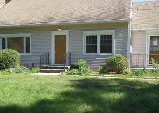 Casa en ejecución hipotecaria in Simsbury, CT, 06070,  BROOK DR ID: P1701402
