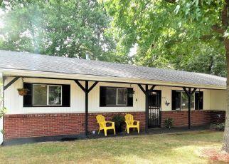 Casa en ejecución hipotecaria in Mount Vernon, MO, 65712,  LOONEY ST ID: P1702642