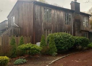 Casa en ejecución hipotecaria in West Islip, NY, 11795,  3RD ST ID: P1704040