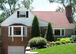 Casa en ejecución hipotecaria in Yonkers, NY, 10710,  OXFORD AVE ID: P1704175