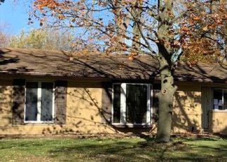 Casa en ejecución hipotecaria in Belleville, MI, 48111,  VAN BUREN ST ID: P1704181