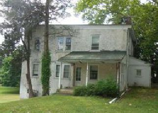 Casa en ejecución hipotecaria in Plymouth Meeting, PA, 19462,  TOWNSHIP LINE RD ID: P1709619