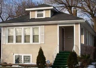 Casa en ejecución hipotecaria in Maywood, IL, 60153,  S 2ND AVE ID: P1710349