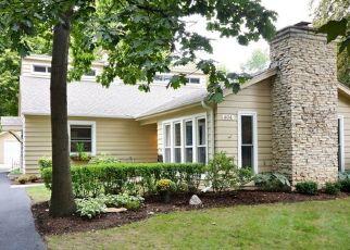 Casa en ejecución hipotecaria in Saint Charles, IL, 60174,  NORTH AVE ID: P1710960