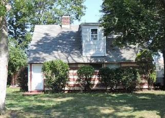 Casa en ejecución hipotecaria in Levittown, NY, 11756,  ALBATROSS RD ID: P1711166