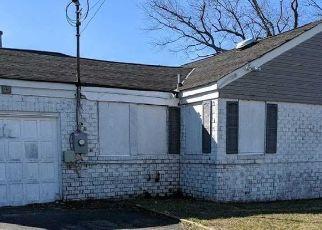 Casa en ejecución hipotecaria in Lindenhurst, NY, 11757,  E RIVIERA DR ID: P1712714