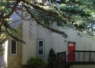 Casa en ejecución hipotecaria in Long Pond, PA, 18334,  GLADE DR ID: P1717946