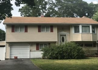 Foreclosure Home in Hauppauge, NY, 11788,  REED ST ID: P1718195