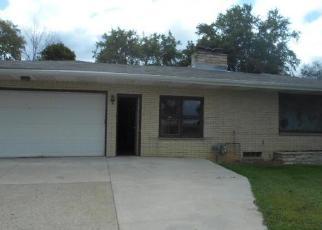 Casa en ejecución hipotecaria in Kewaskum, WI, 53040,  RIVERVIEW DR ID: P1718483