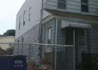 Casa en ejecución hipotecaria in Ozone Park, NY, 11416,  107TH ST ID: P1721176