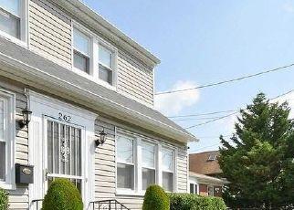 Casa en ejecución hipotecaria in West Hempstead, NY, 11552,  IVY ST ID: P1721272