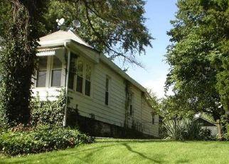 Casa en ejecución hipotecaria in Alton, IL, 62002,  TREMONT ST ID: P1724355