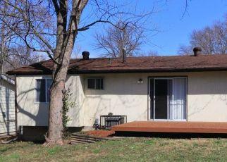 Casa en ejecución hipotecaria in Saint Louis, MO, 63135,  REASOR DR ID: P1727725